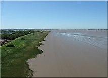 TA0223 : The Humber Estuary by Derek Voller