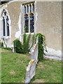 SU3226 : Ivy, St Andrew's Church by Maigheach-gheal