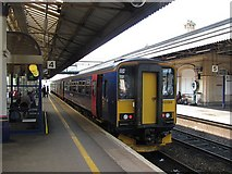 SX9193 : Platform 4, Exeter St Davids by Richard Webb
