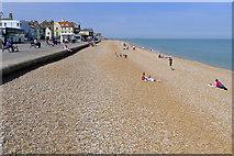 TR3752 : The Beach, Deal by Cameraman
