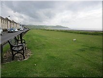NX0882 : Putting Green by Billy McCrorie