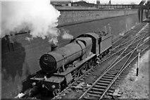 TQ2282 : A GW 'Hall' leaving Old Oak Common Depot for Paddington by Ben Brooksbank