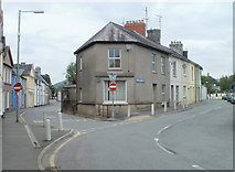 SN7634 : Junction of Stone Street and Victoria Crescent, Llandovery by Jaggery