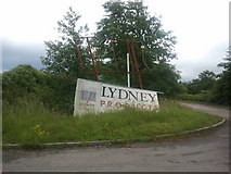 SO6401 : Broken sign in Lydney industrial area by Rob Purvis