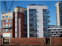 TQ3479 : Flat blocks on Old Jamaica Road by Oast House Archive