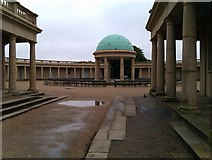 TG2007 : Eaton Park bandstand and colonnade by David Martin