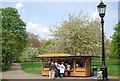 TQ2979 : Refreshments in Green Park by N Chadwick