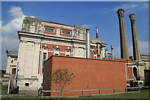 TQ1070 : Kempton Park Pumping station by Chris Allen