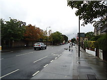 TQ1875 : Sheen Road, Richmond by Stacey Harris