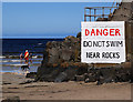 C8136 : Warning sign, Portstewart by Rossographer