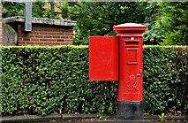 J4073 : Pillar box, Belfast by Albert Bridge