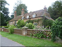 SU7037 : Cottages in Winchester Road, Chawton by Marathon