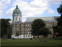TQ3179 : Imperial War Museum and Gardens, Kennington Road SE11 by Robin Sones