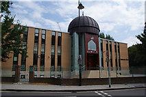 TQ3279 : Bantul Aziz Masjid mosque by Bill Boaden