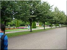 TQ2882 : Flower gardens in Regent's Park by Robert Lamb
