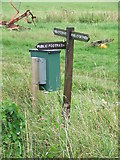 TM0652 : Clear Footpath Sign by Keith Evans