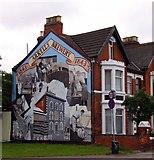 SU1585 : Mural on the side by Steve Daniels
