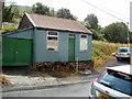 SN8605 : Tin shack, Heol Wenallt, Cwmgwrach by Jaggery