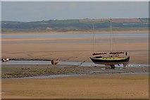 SD1678 : Boat, Low Tide by Mick Garratt