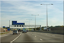 TQ5571 : M25, approaching junction 2 by Robin Webster
