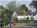 TQ2588 : Erskine Hill / Asmuns Hill, NW11 by Mike Quinn