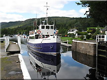NH6140 : Jacobite Queen entering the lock at Dochgarroch by don cload