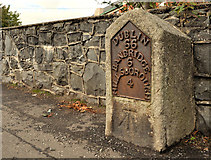 J2053 : Milestone, Dromore by Albert Bridge
