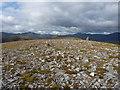 NH1718 : On the summit plateau of Aonach Shasuinn by Richard Law