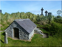 L9802 : Grave of Chaomháin - Inis Oírr by louise price