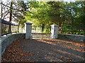 O0065 : Estate entrance by James Allan