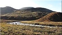 NR9148 : Glacial terraces, Fuar Achadh by Richard Webb