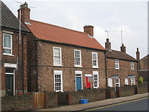SE8912 : Cottages, Old Crosby by Jonathan Thacker