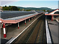 NH8912 : The main line platforms at Aviemore railway station, from the footbridge by Phil Champion