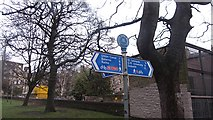 NT2572 : National Cycle Network sign by Richard Webb