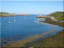 SV8815 : New Grimsby Harbour and view to Cromwell's Castle, Tresco by Colin Park