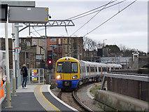 TQ2282 : Entering Willesden Junction by Alan Murray-Rust