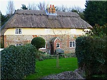 SU8700 : Cottage at South Mundham by Shazz