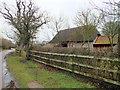 SU1610 : Blunts Barn by Jonathan Kington