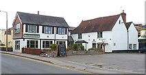 TQ0866 : The Red Lion, Lower Halliford by Mike Smith