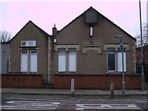 SU1585 : Ferndale Working Men's Club, Ferndale Road, Swindon by Vieve Forward