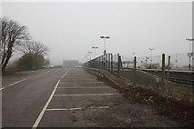 SU5290 : End of the platform by Bill Nicholls