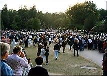 TQ2579 : Crowds outside Kensington Palace in Kensington Gardens by Steve Daniels