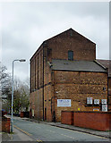 SO9596 : Factory building in Bilston, Wolverhampton by Roger  Kidd