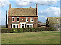 TL2563 : The farmhouse at Home Farm, Graveley by David Purchase