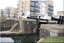 TQ3681 : Regents Canal - Johnson's Lock by N Chadwick