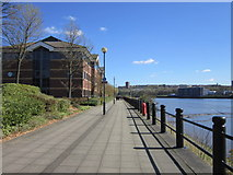NZ2362 : East along the River Tyne by Ian S