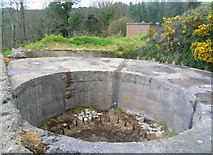 SX9049 : Gun Emplacement at Brownstone Battery by Anthony Parkes