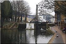 TQ3283 : Regents Canal - Sturts Lock by N Chadwick