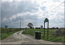 SE7666 : To Church Farm Kennels by Pauline E