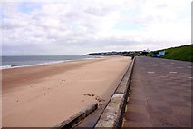 NZ3573 : Whitley Sands from the Northern Promenade by Steve Daniels
